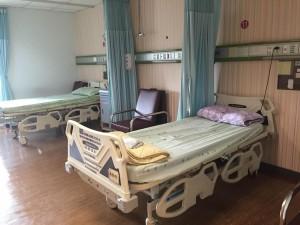 喜歡有病友陪伴但又怕太吵雜的第一選擇。病房費用:800元/日。